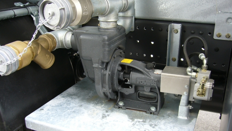 Horizontal single-stage self priming pumps